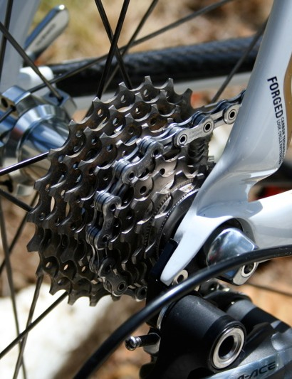Hushovd is using an 11-23T cassette which Shimano has made even lighter than before.