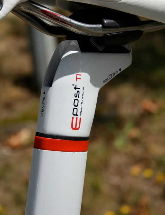 Look's E-Post  gets inserted into the cut seat tube instead of being clamped around it.