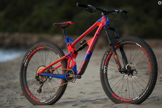The Intense Carbine is a 155mm travel enduro big-wheeler