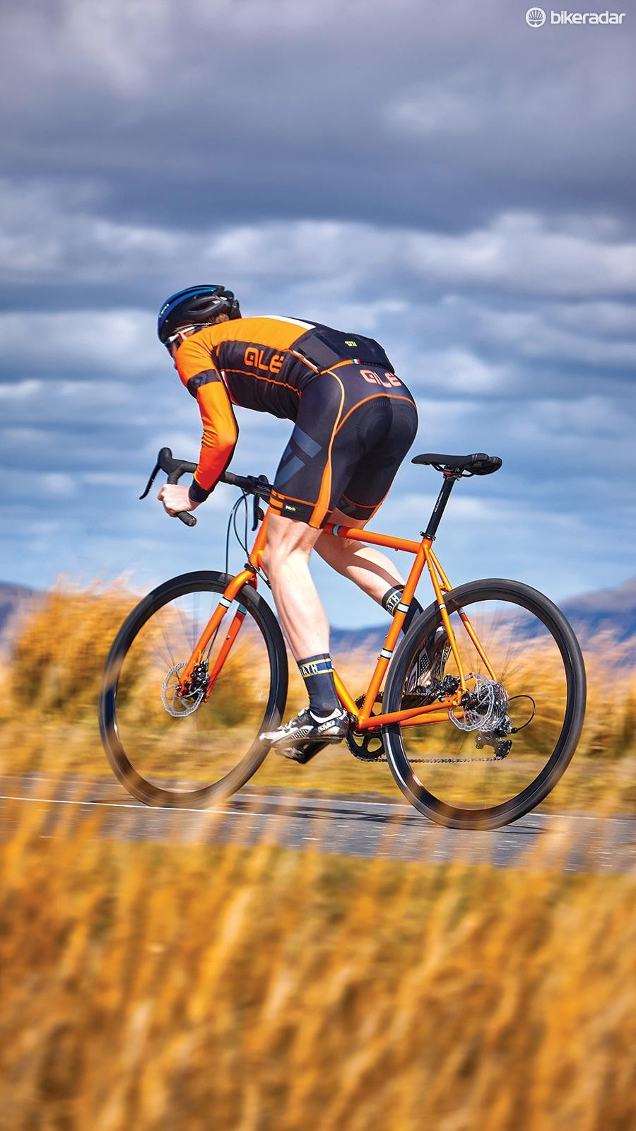 Frame flex for off-road stability and comfort means the Robinson can get a bit bendy when it comes to road sprints
