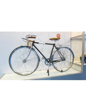 This Girovita C1 city bike hits the mark when it comes to classic styling and modern (belt drive) simplicity