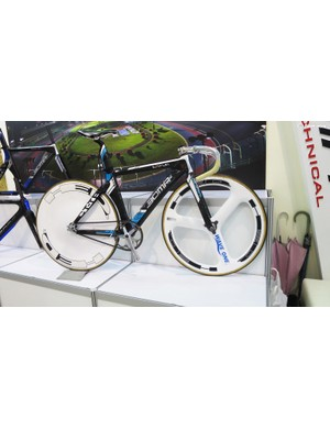 Not many bikes could get away with a white HED disc and Trispoke, but Japan's BOMA pista just about manages it