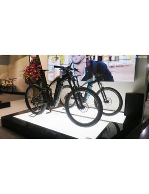 BREV's range topping e-bike the TR81 looks e-mountain but it's more aimed at urban use with the occasional off-road jaunt, and we like the moto inspired design