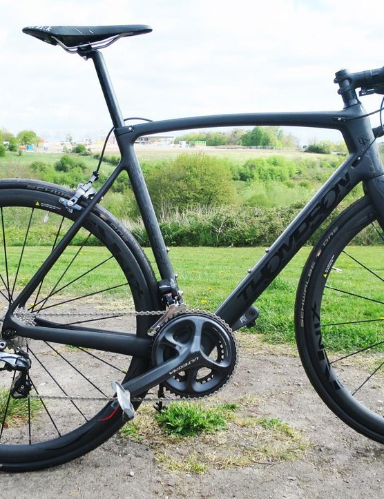 Thompson's Capella is available in a myriad of colourways, so naturally we chose black on black