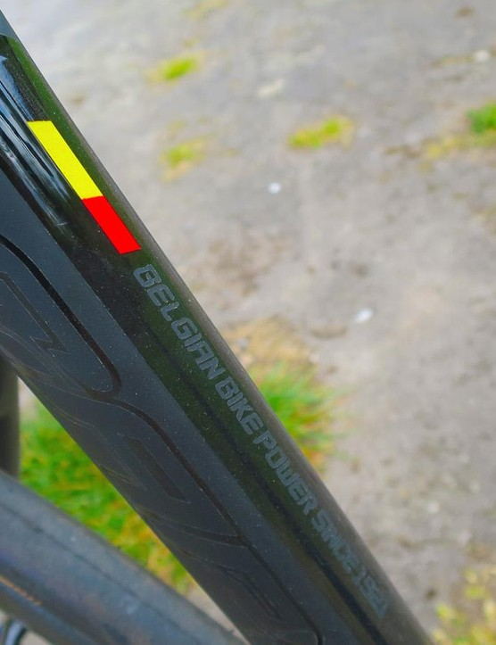 Thompson is rightfully proud of its Belgian heritage, and the gloss black and Belgian flag on this frame aren't stickers or decals its all hand-masked paint throughout