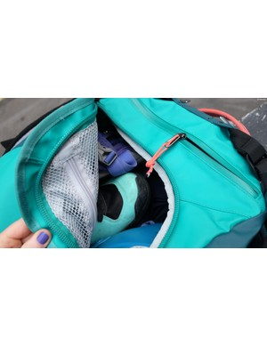 Mesh pockets in the main compartment plus a zipped and lockable end pocket keep things organised and secure