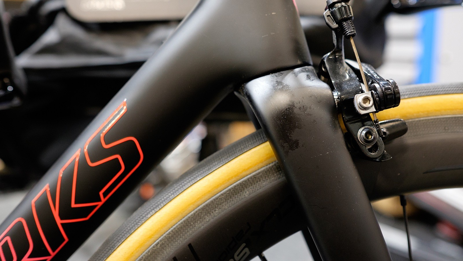 Oily fingerprints were spoiling the matt finish of this tidy S-Works Tarmac...
