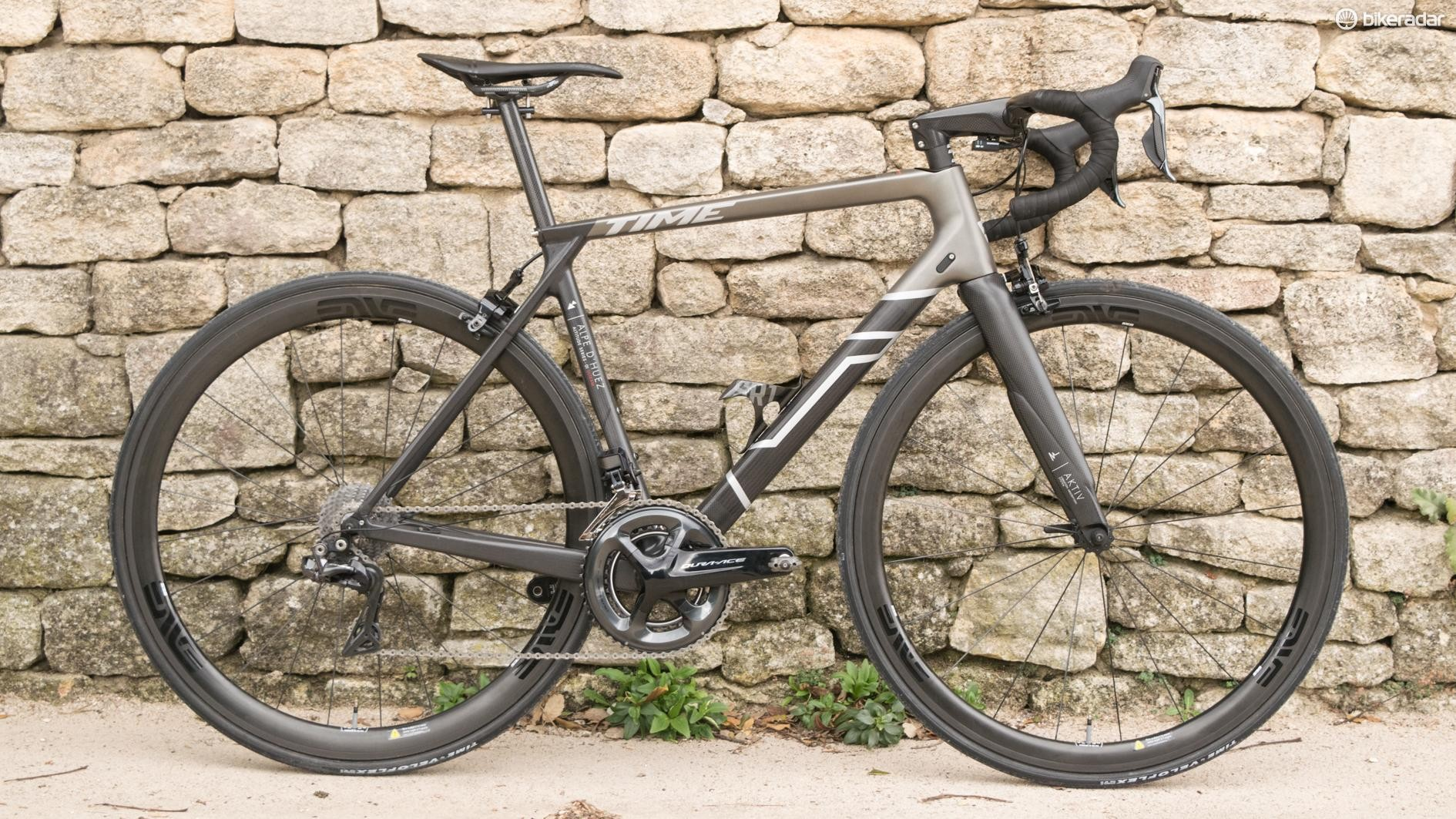Read my first ride review for impressions of this no-holds-barred Ulteam edition Alpe d'Huez