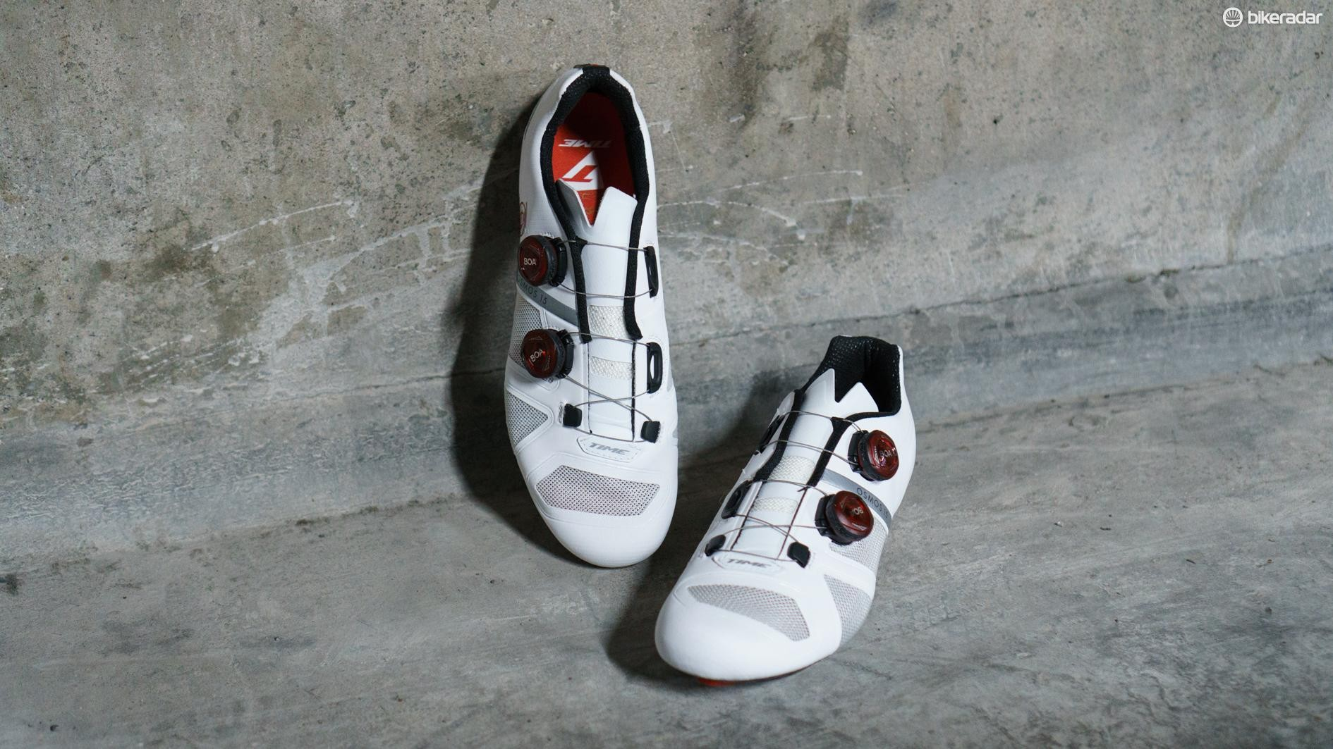 Time has re-entered the road cycling shoe market with the OSMOS