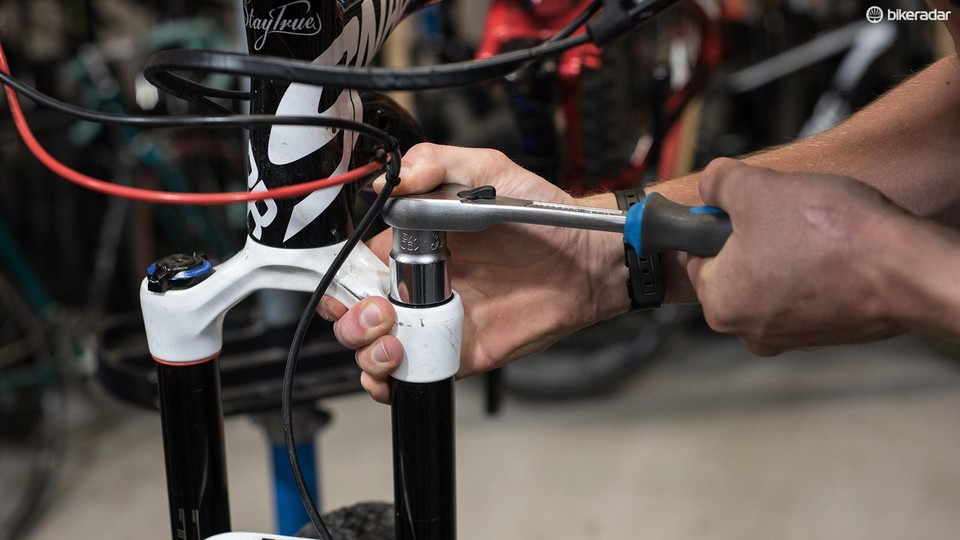 How to tune a RockShox Lyrik, Pike, Yari or Revelation fork with