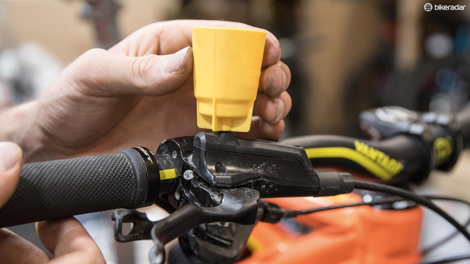 tips-for-bleeding-shimano-brake-02-1519948261051-190lbd28vyr07-1535015236448-1l4gumbsv9rfx-ad1dfee