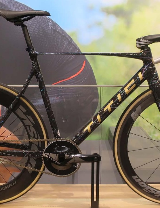 The fixed wheel crit machine from Titici