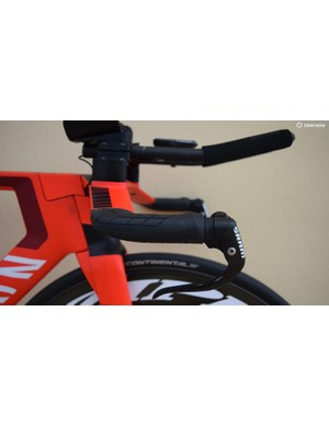 Ergon grips come with the Canyon Speedmax base handlebars