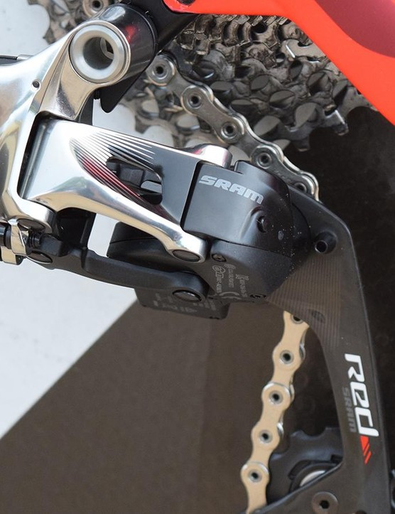 A look at the SRAM Red eTap wireless electronic rear derailleur