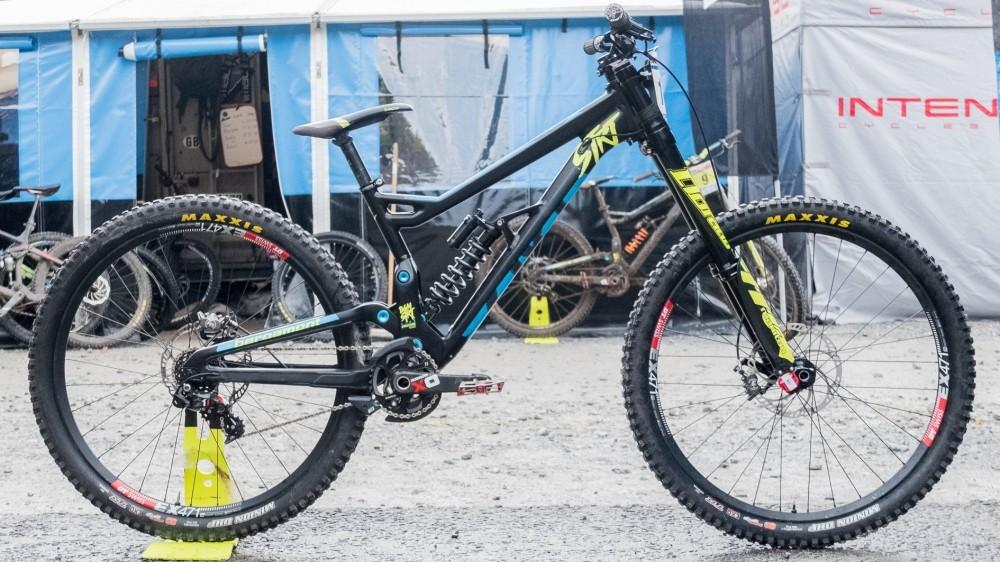 top-5-29er-dh-bikes-4-_-1499250044813-1orfvox0b8blw-1000-100-8c4a248