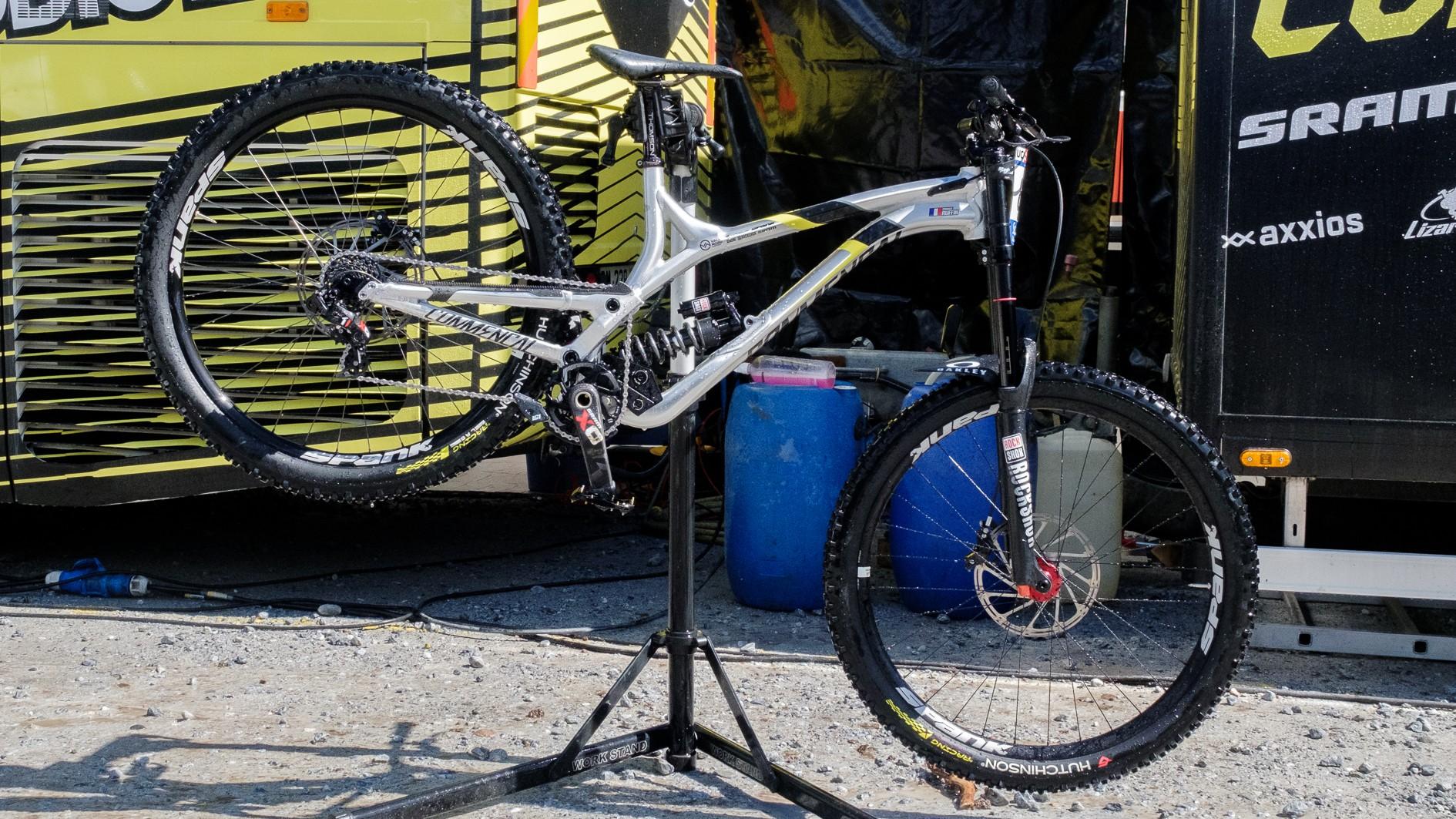 top-5-29er-dh-bikes-5-_-1499250044816-48hbh58ga7wc-25ee9f1