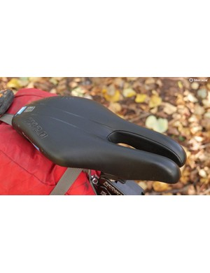This noseless saddle reduces pressure
