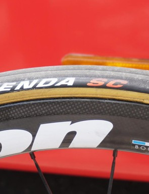 And Cofidis races on Kenda-branded tubulars that look to be Veloflex-made