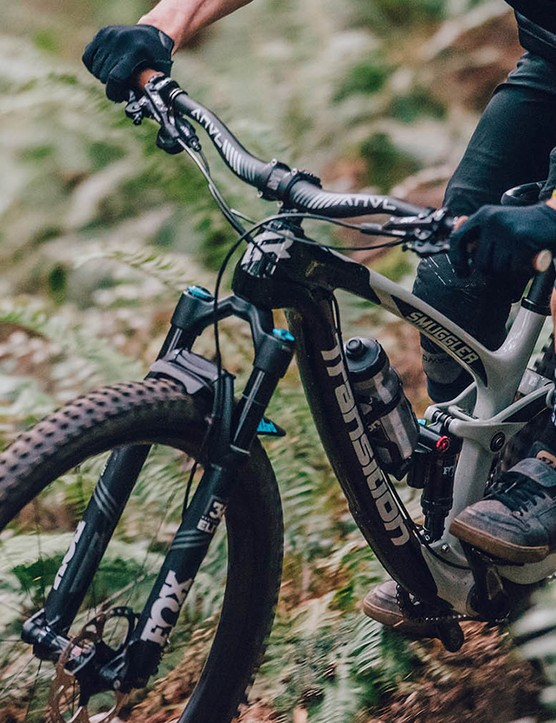 Transition's 29er trail bike, the Smuggler, is now available in carbon
