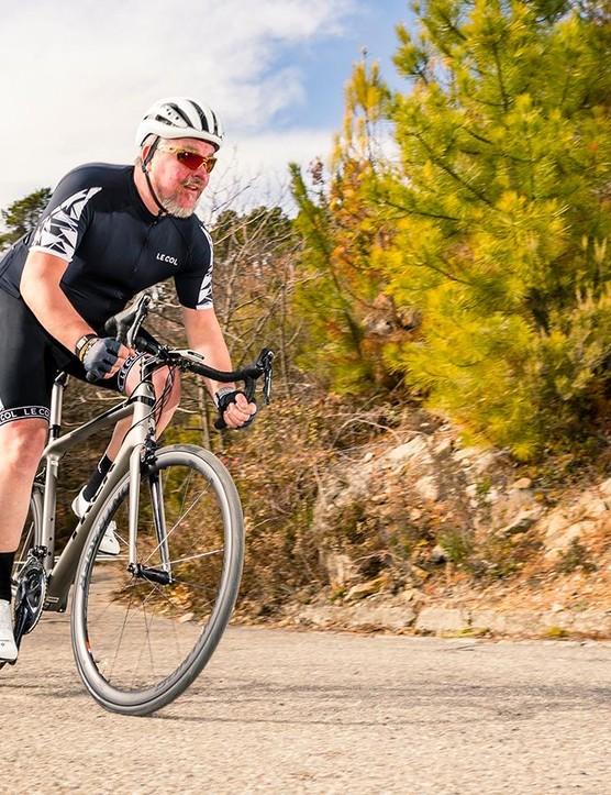 The Trek Émonda SL6 Pro is a damn fine road bike and a classy ride