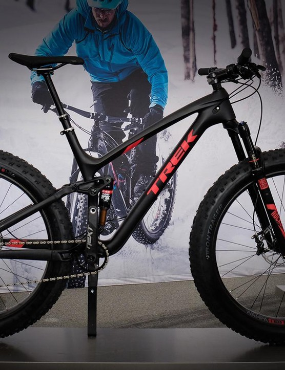 The Farley EX 9.8 has a carbon front end with alloy seat- and chainstays and 120mm of matched suspension travel