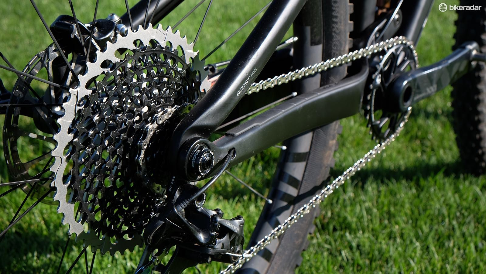The Eagle X01 drivetrain shifts smoothly