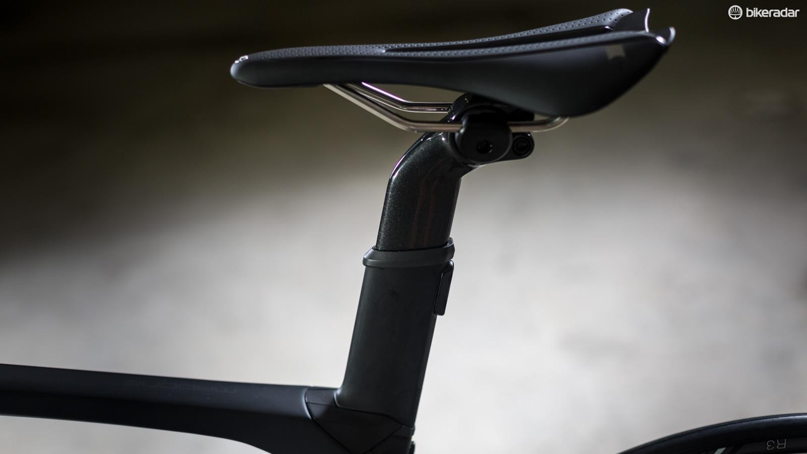 The micro-adjust seatmast sits inside the outer aero tubing and allows for plenty of adjustability