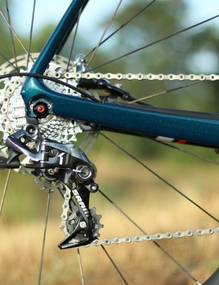 The Force clutch derailleur keeps the chain taut over choppy surfaces. Goodbye, chainslap!