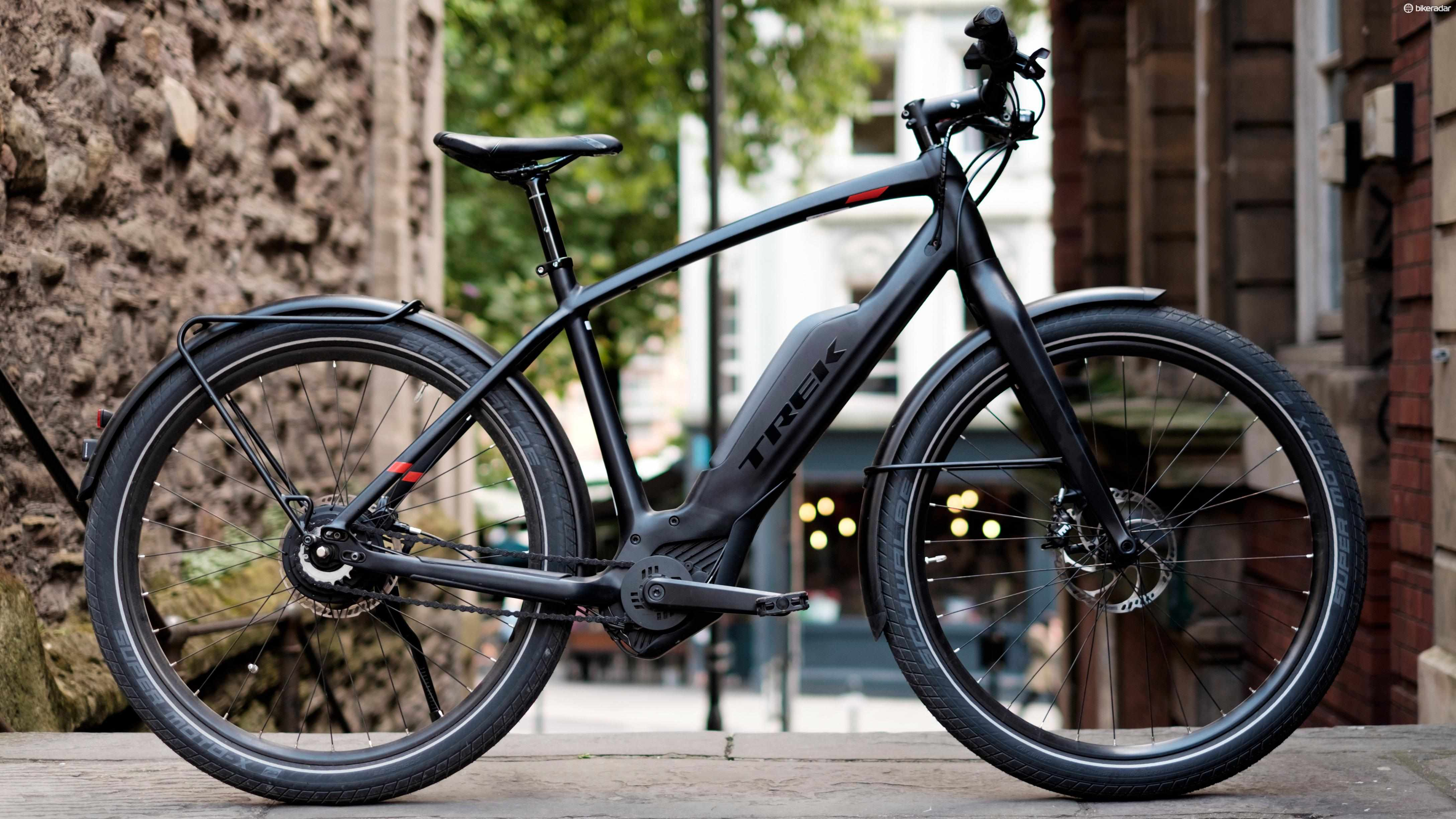 Trek's Super Commuter 9+ is a slick looking bike that attracts plenty of attention
