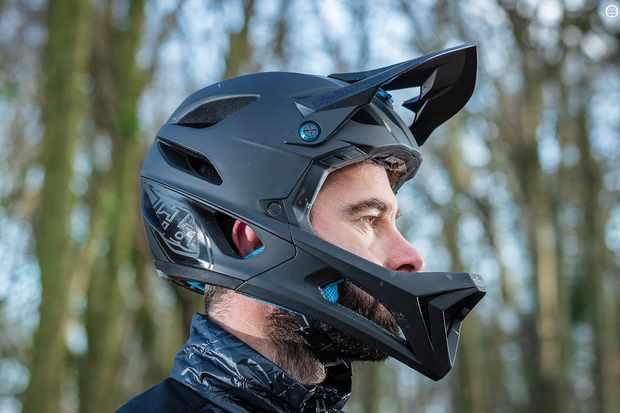 c6f1628153d Troy Lee Designs Stage helmet review - Full Face Helmets - Helmets ...