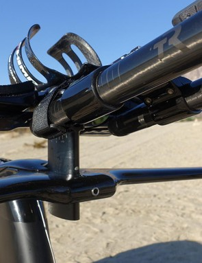 TriRig's Alpha One integrated aerobar/basebar/stem tidied up the front end and lent quick height adjustments thanks to its central mast design