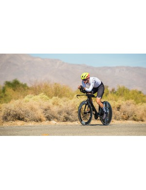 AeroCoach supplied a NoPinz/AeroCoach Trip Suit, AttackSpeed gloves and Trip Overshoes for the race. When the going got hot, I swapped out the POC Cerebel for a Specialized Evade II