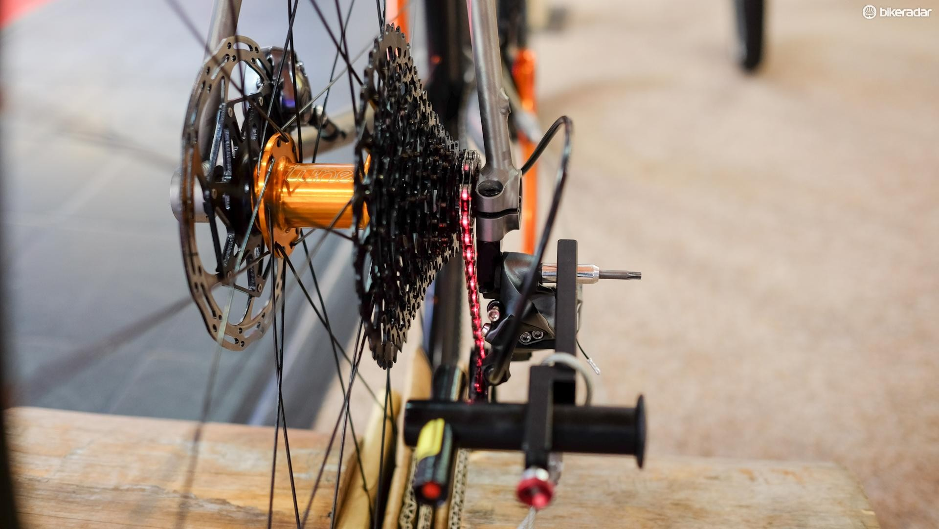 Tune's Linientreu brings frikkin' laser beams to gear setup