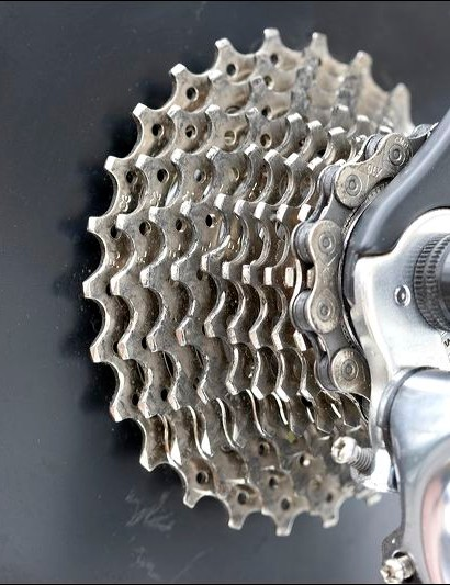 The 10-speed 12-25 cassette provides close steps between gear changes and still provides a good range