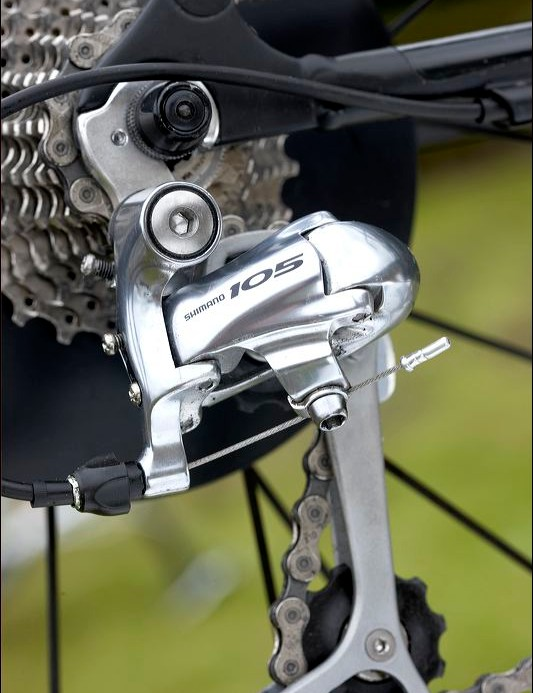 Shimano 105 levers and derailleurs