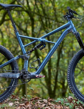 A Specialized Enduro Comp 27.5 was chosen for its low BB height and clearance to accommodate 2.8