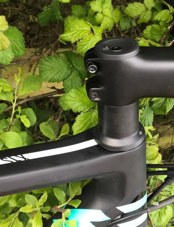 The carbon frame is paired with alloy and carbon finishing kit