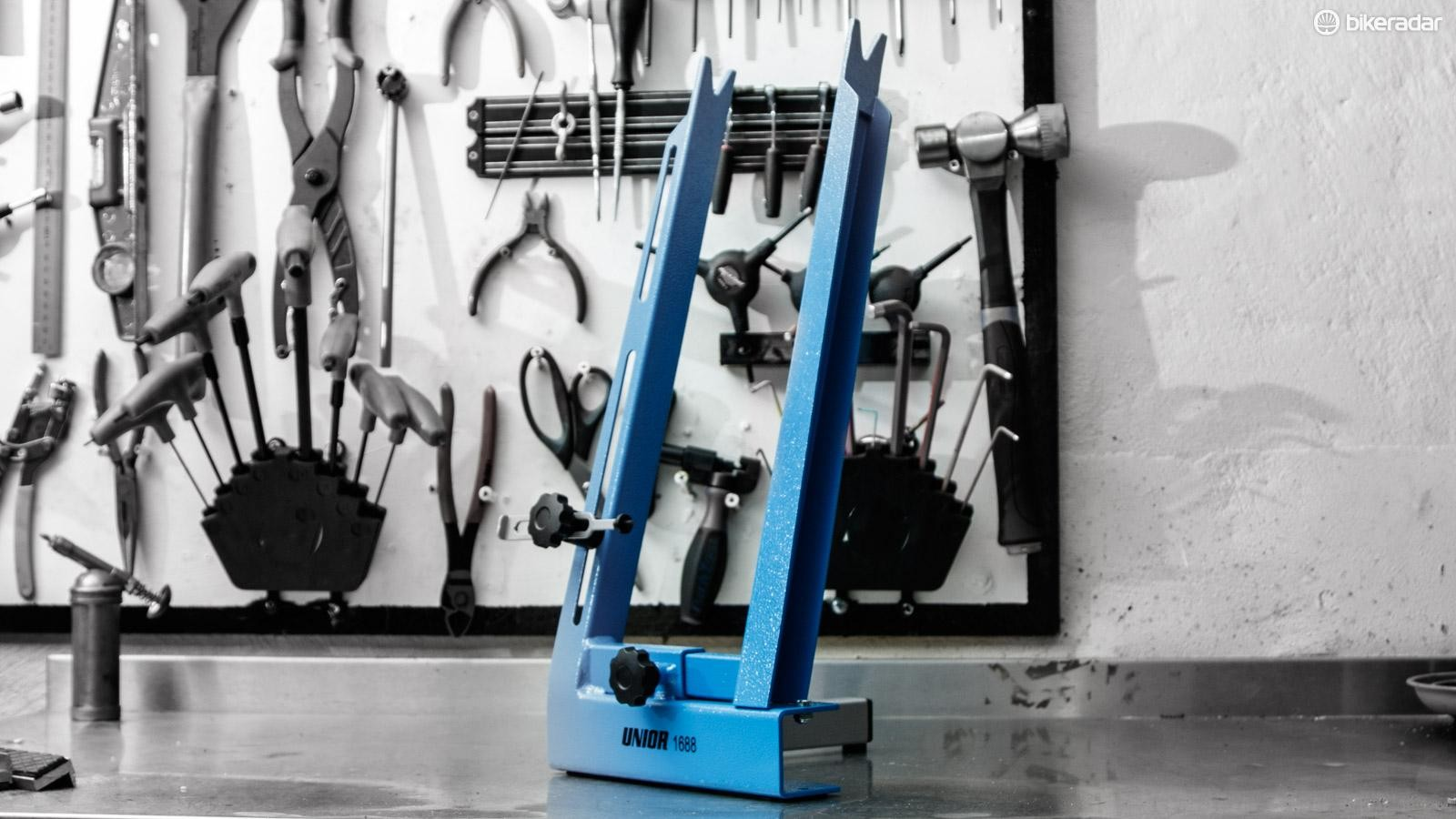Average name, above average function. The 'Unior Wheel Centering Stand 1688 for home use' is well worth consideration