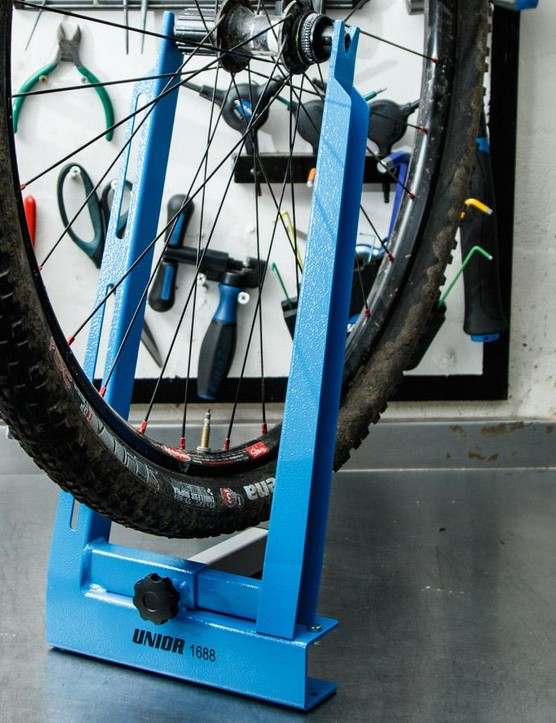 There's still room to spare with a 2.1in tyre mounted on a 29er rim