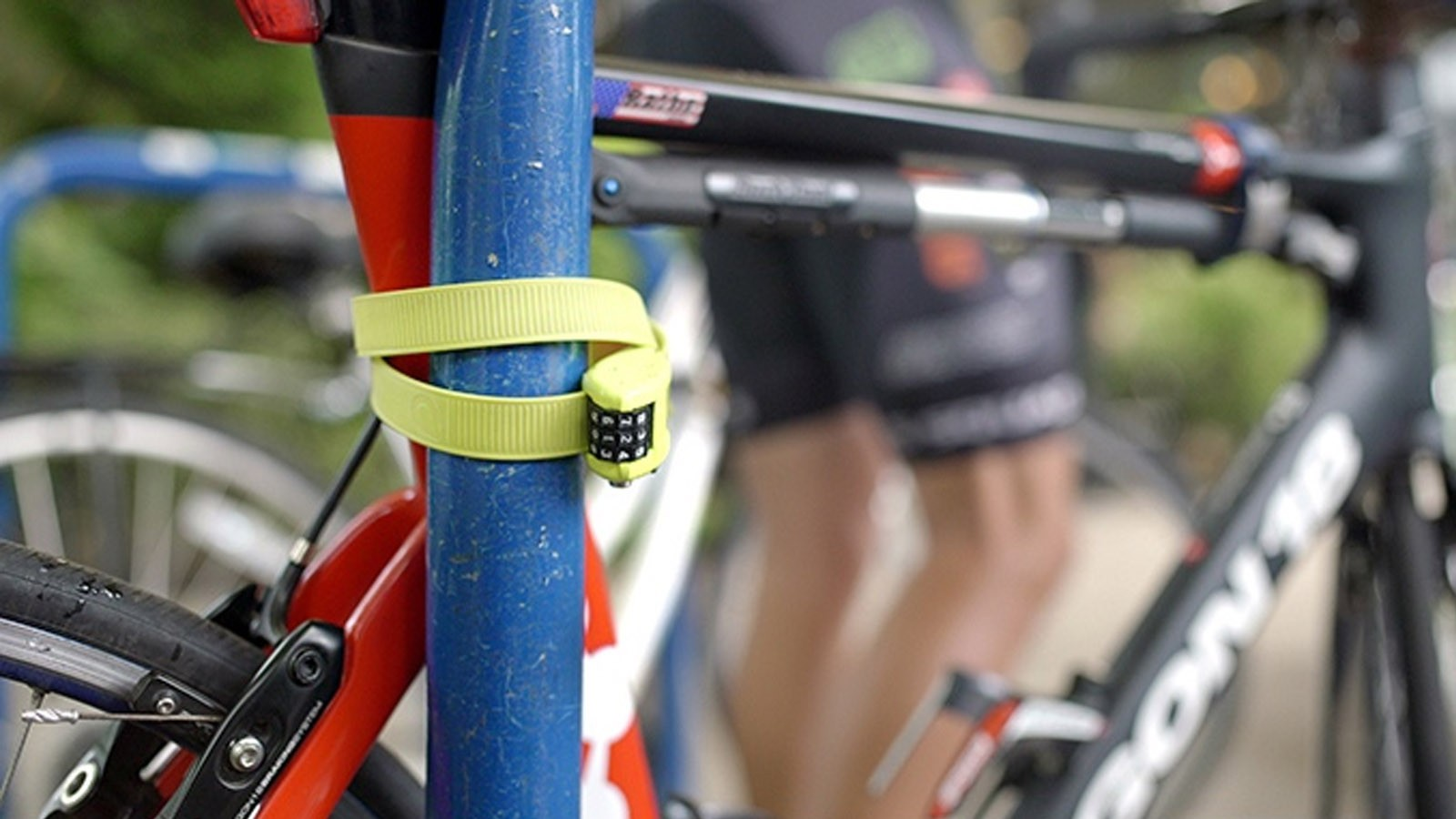 The OTTOLOCK is a small, lightweight, strong cinch lock