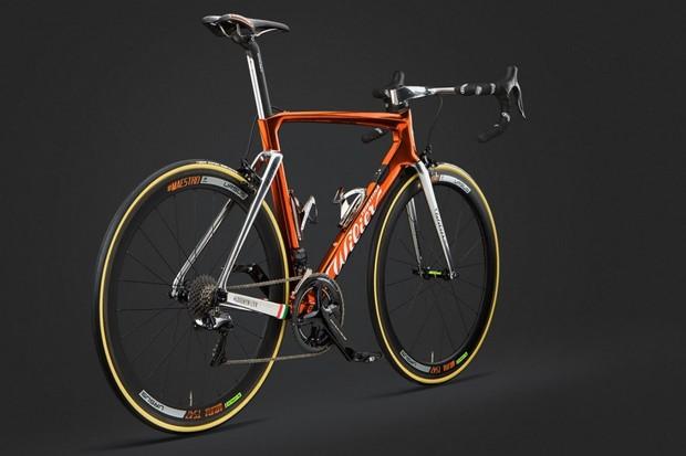 Wilier is celebrating the Giro by reviving its cromovelato ramato finish