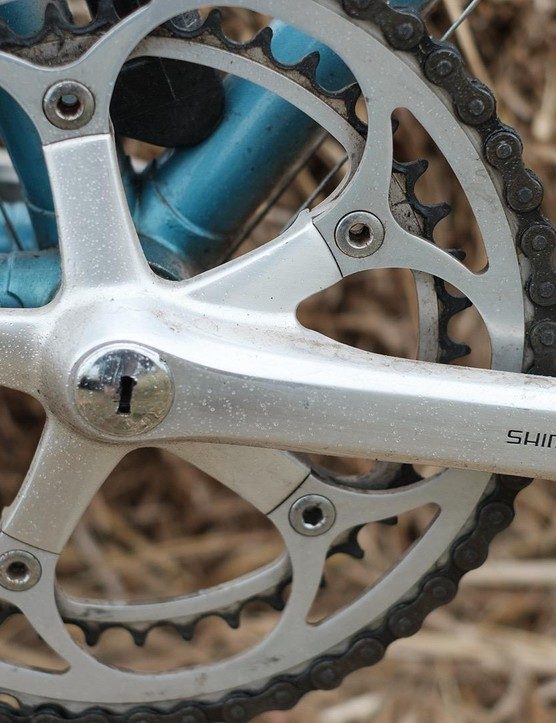 The Shimano 600 chainset is another exceptionally clean looking component