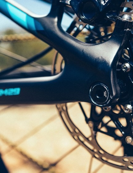 Something often overlooked on XC bikes are 160mm rotors, but it seems Giant has opted for extra stopping power