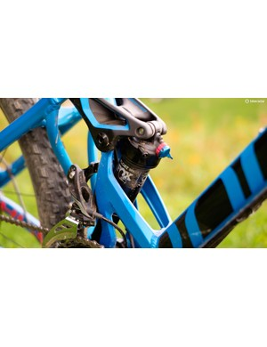 The Fox Float DPS shock delivers 140mm of travel at the rear wheel