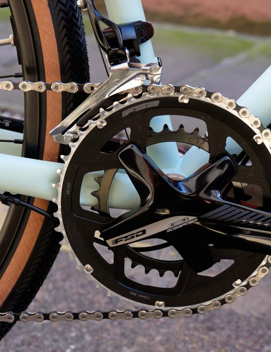 The 'sub compact' chainset wears 48 and 32t chainrings