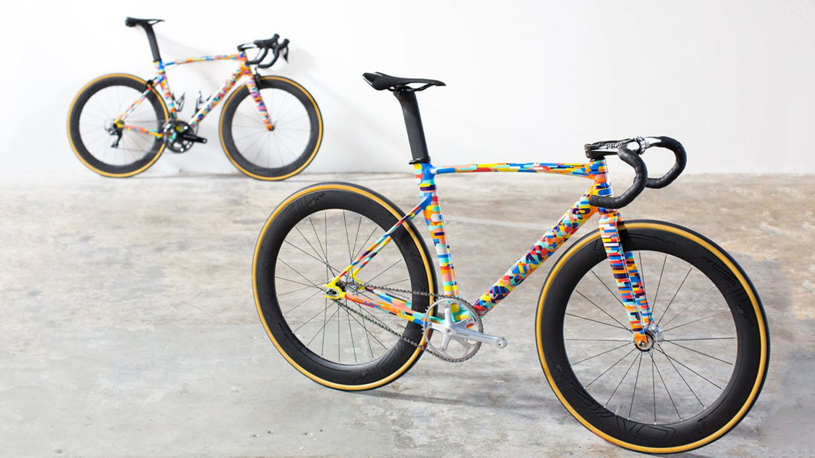 Specialized is making some pretty schmick frames for its Red Hook Crit team