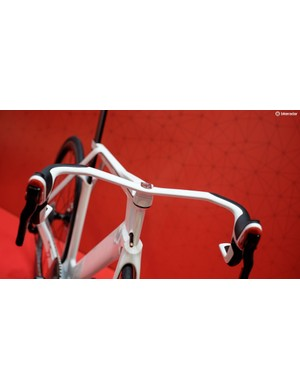 Notice how the stem, shifter and even tape/grip is integrated into the handlebar
