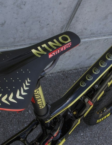 Schurter's saddle of choice is the Syncros XR1.0 SL Carbon