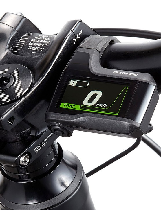 The STEPS display is not too dissimilar to the XT Di2 display and offers info on the remaining charge, current speed and level of assistance