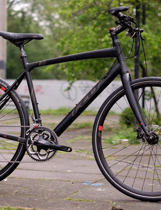 Felt's Verza Speed 10 is a flat bar hybrid with speedy ambitions